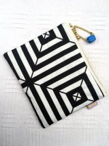 SMALL FABRIC POUCH RETRO SQUARE BLACK WHITE PATTERN (レトロ柄ファブリック ポーチ)